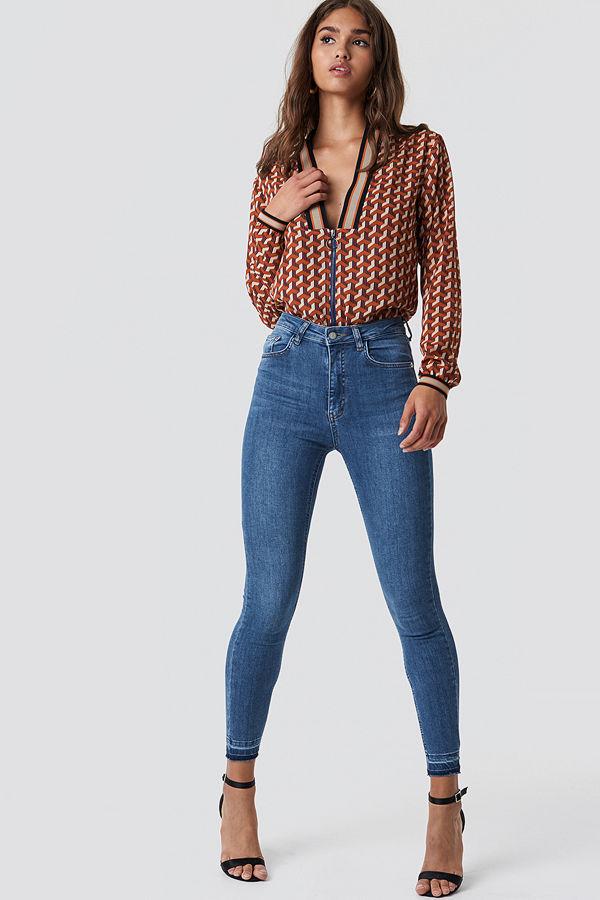 NA-KD Skinny High Waist Open Hem Jeans blå