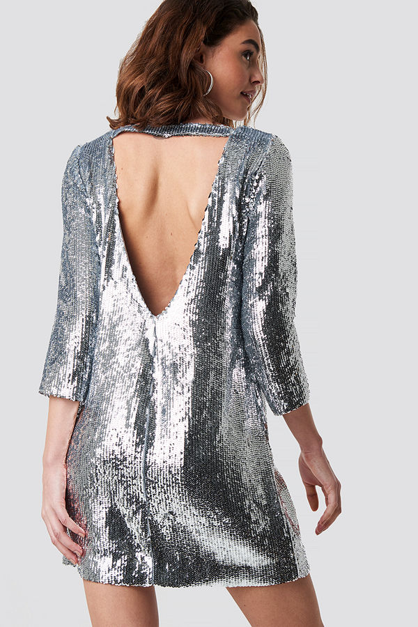 Emilie Briting x NA-KD Sequin Short Dress silver