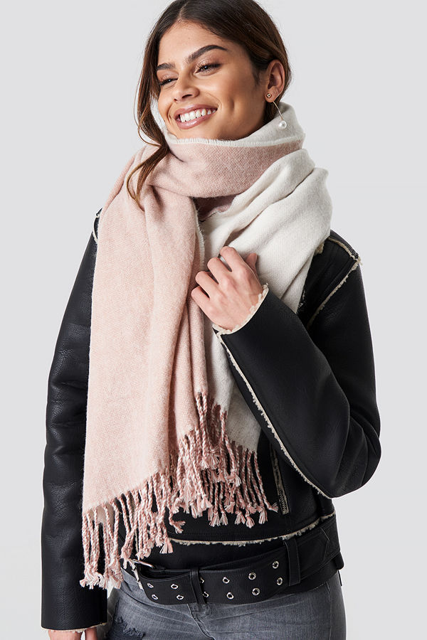 Luisa Lion x NA-KD Two Toned Scarf rosa