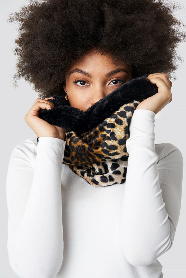 Trendyol Leopard Patterned Neck Collar Scarf svart brun