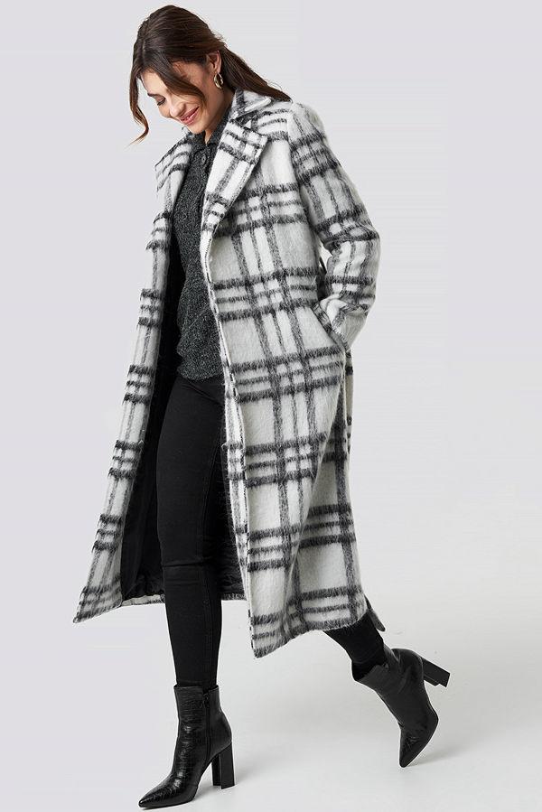 NA-KD Trend White Checked Coat vit