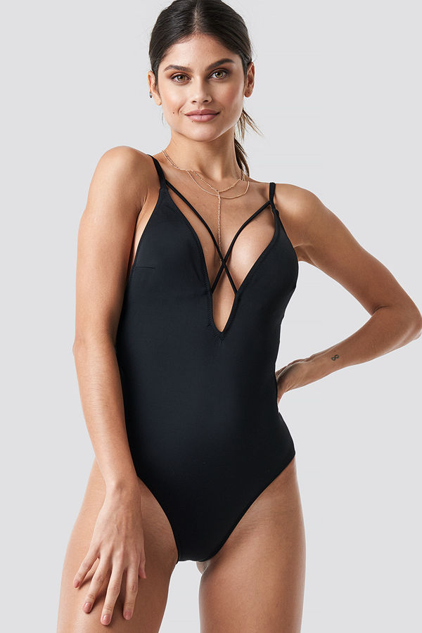 Trendyol Cross Back Swimsuit svart