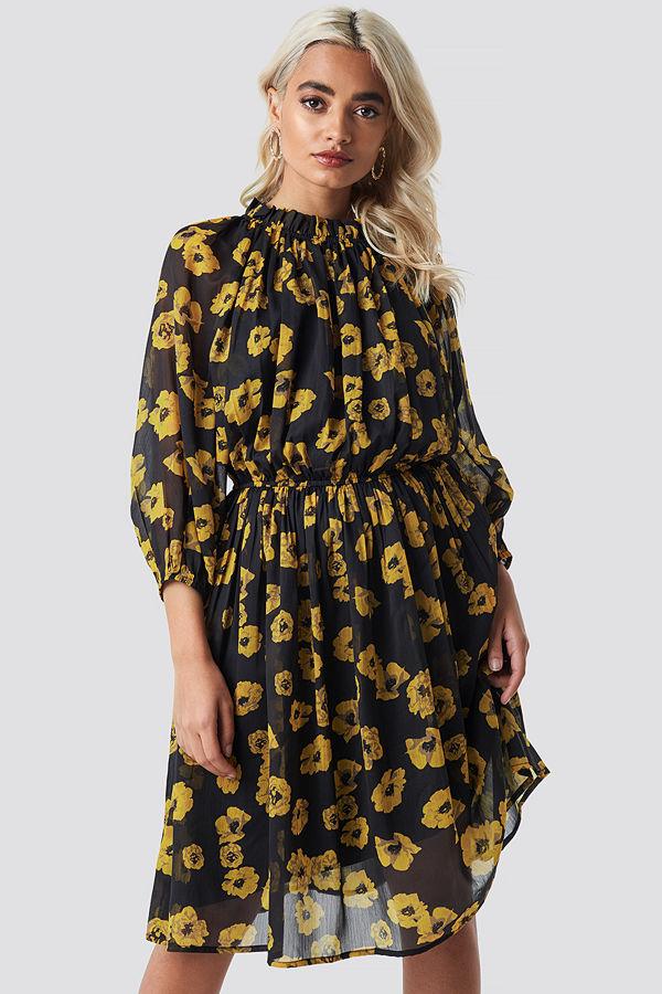 NA-KD Boho High Neck Elastic Waist Puff Dress svart multicolor