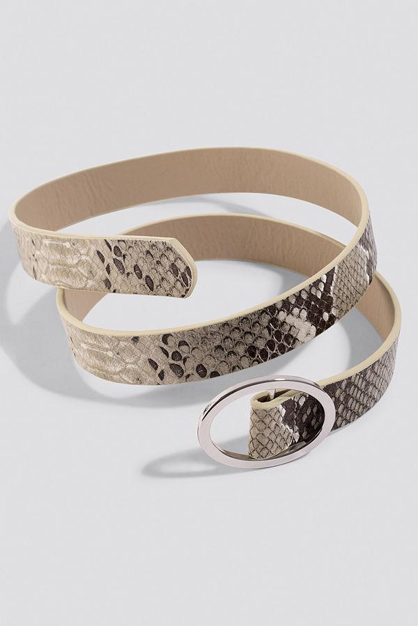 NA-KD Accessories Slim Snake Belt brun grå