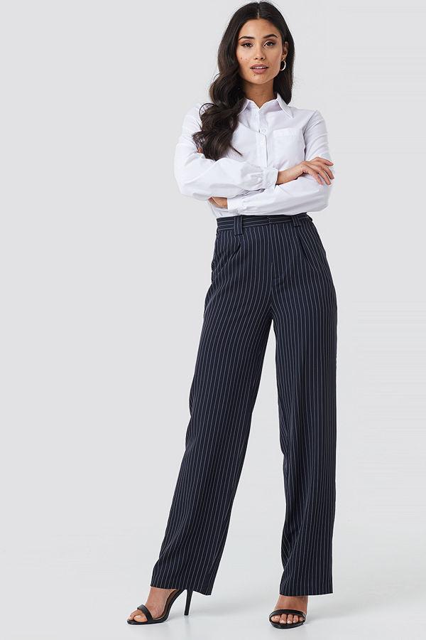 NA-KD Classic svarta randiga byxor Flared Striped Pants navy