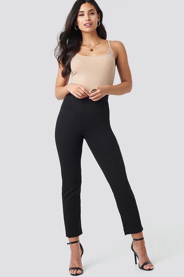 Iva Nikolina x NA-KD Highwaist Straight Leg Jeans svart