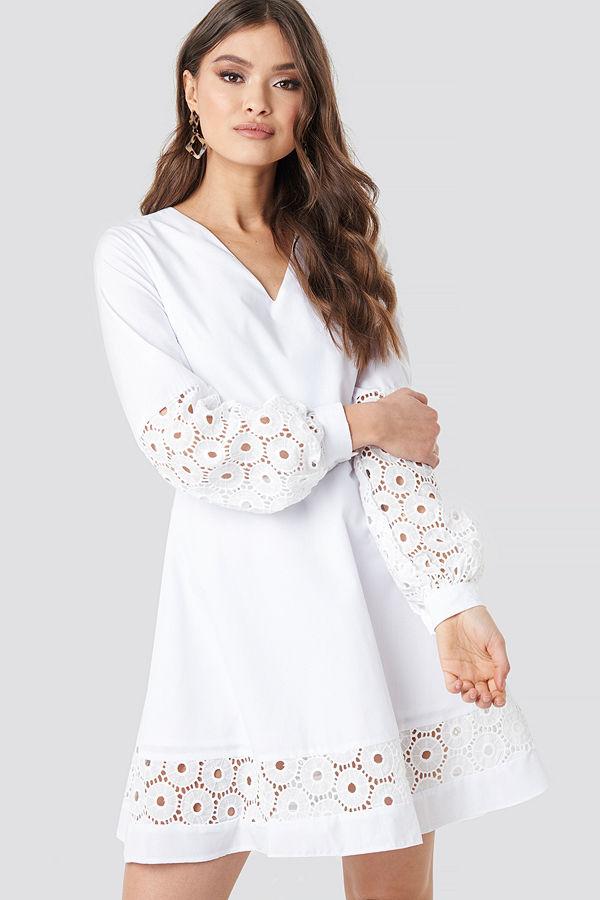 Trendyol Yol Embroidered Dress vit