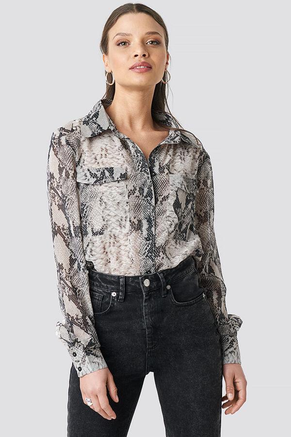 NA-KD Trend Snake Printed Chiffon Shirt grå