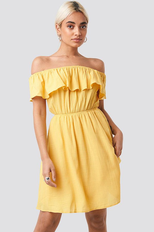 Gul off shoulder klänning