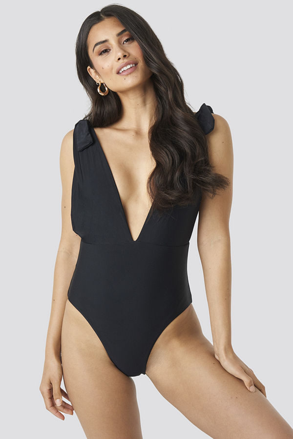 Hot Anatomy Plunge V-Neck Swimsuit svart