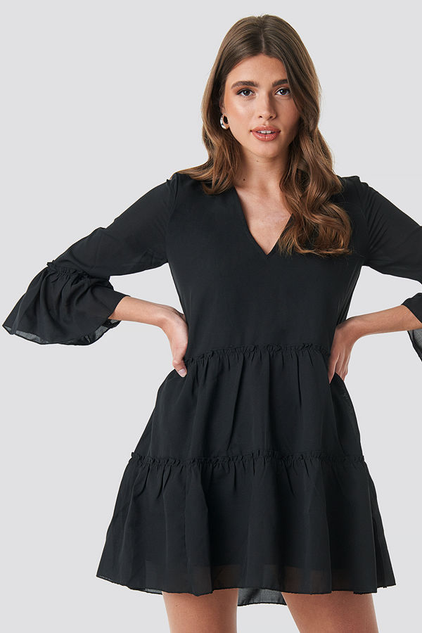 NA-KD Boho V-Neck Ruffle Mini Dress svart
