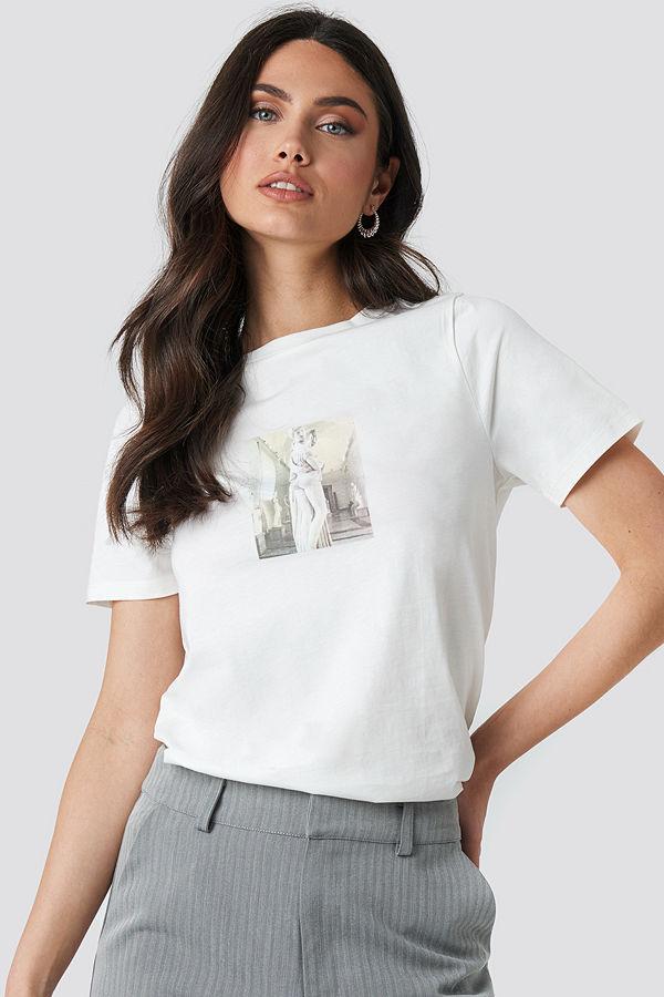 NA-KD Trend Statue T-shirt vit