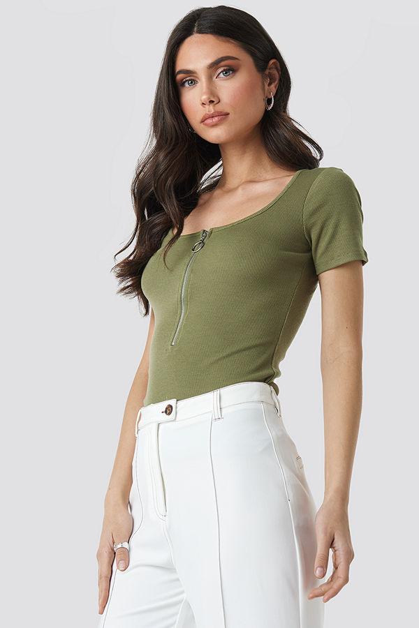 NA-KD Short Sleeve Zipped Top grön