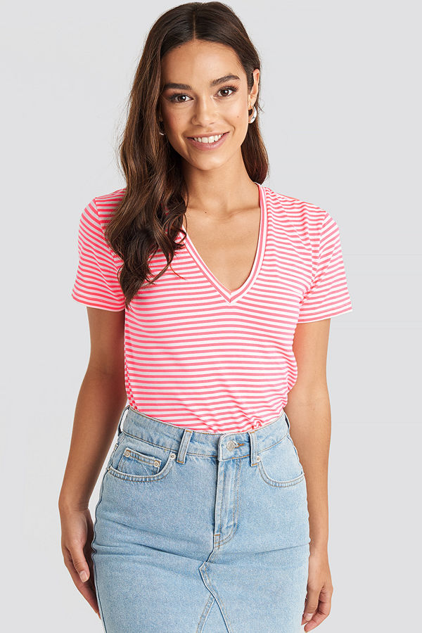 Trendyol V-Neck Striped Tee rosa