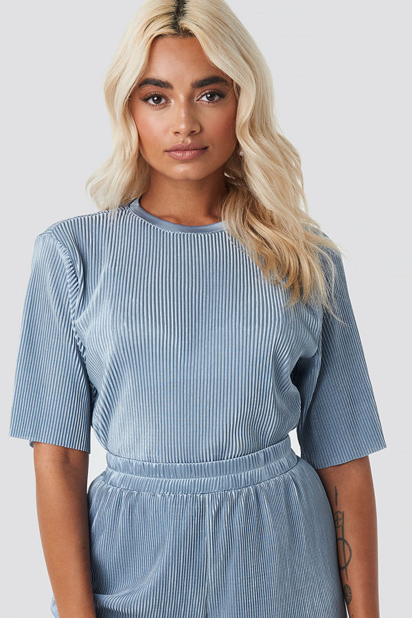 NA-KD Party Pleated Short Sleeve Top blå