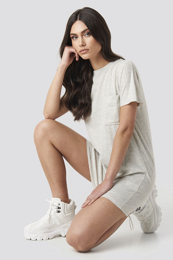 NA-KD Chest Pocket T-shirt Dress grå