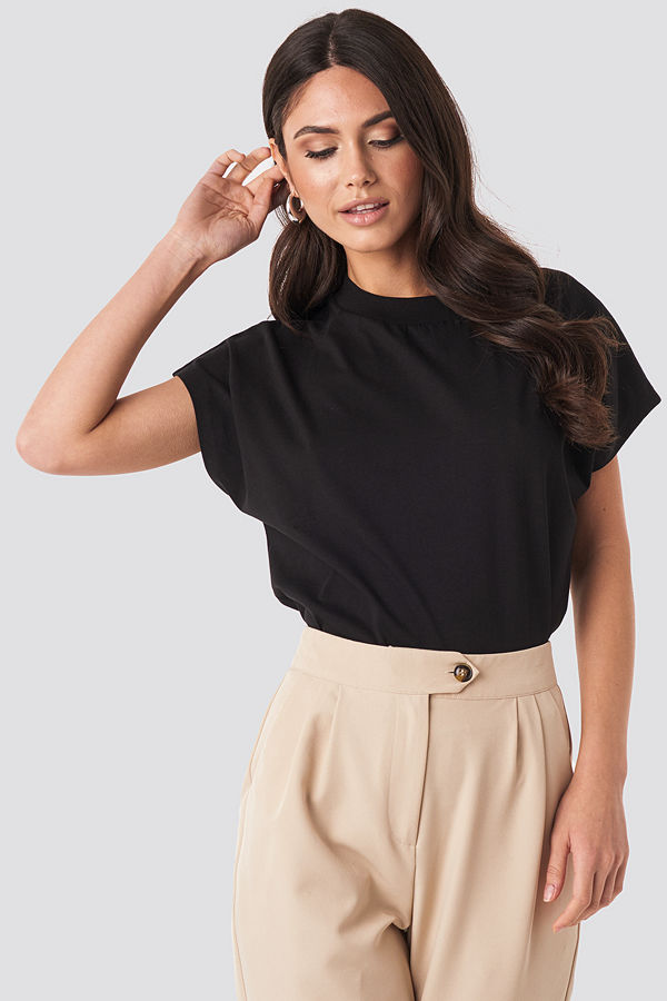NA-KD Basic Round Neck Cap Sleeve T-Shirt svart