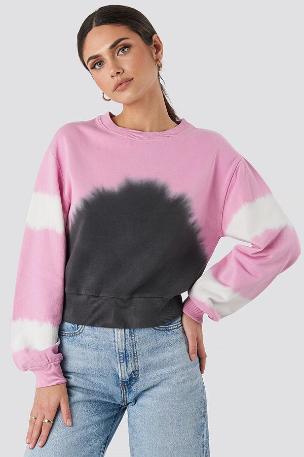 NA-KD Tie Dye Oversized Cropped Sweatshirt rosa