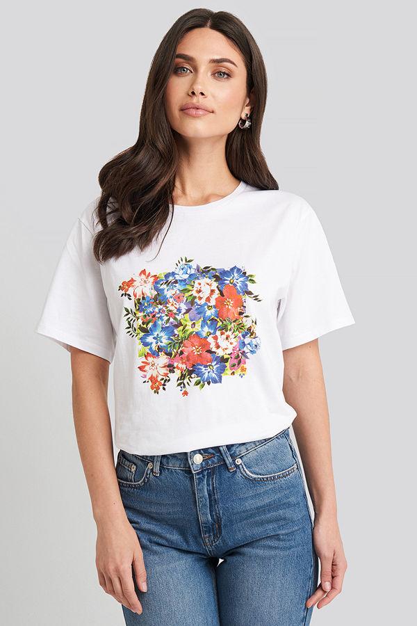 NA-KD Box Floral Oversized T-shirt vit