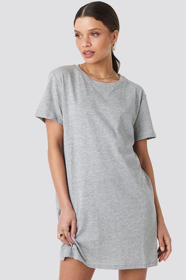 NA-KD Basic T-Shirtklänning grå