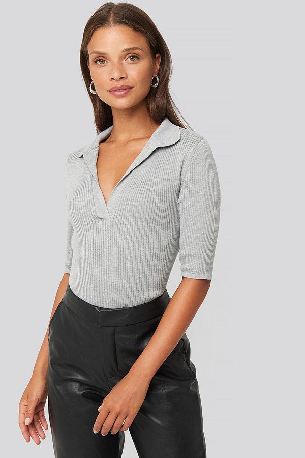 NA-KD Pique Collar Knitted Top grå