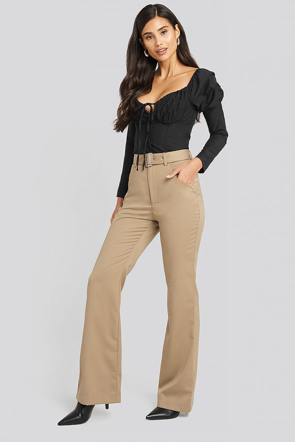 AFJ x NA-KD gula byxor Belted Bootcut Pants beige