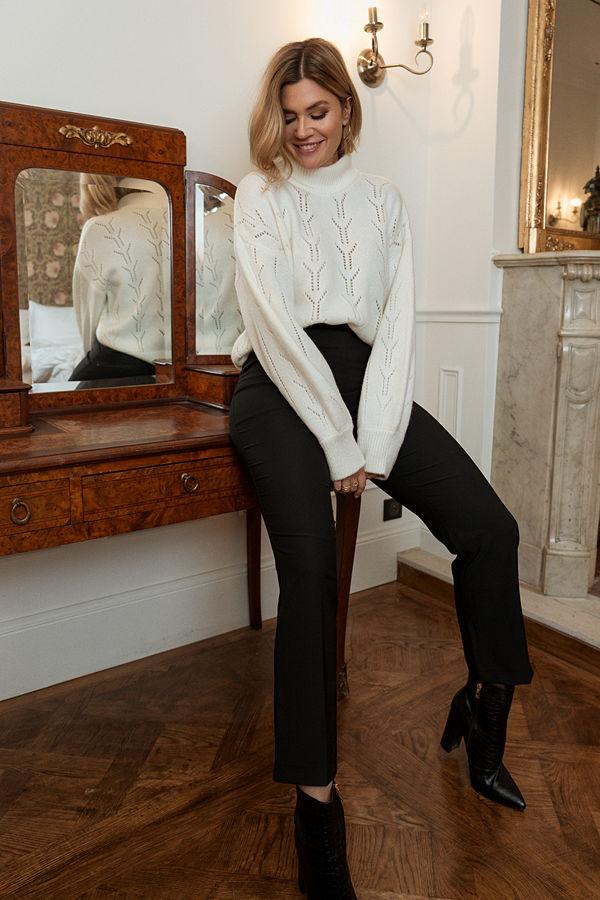 Nadine x NA-KD svarta byxor Pleat Detail Suit Pants svart