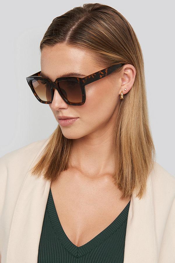 NA-KD Accessories Squared Oversized Sunglasses svart brun beige