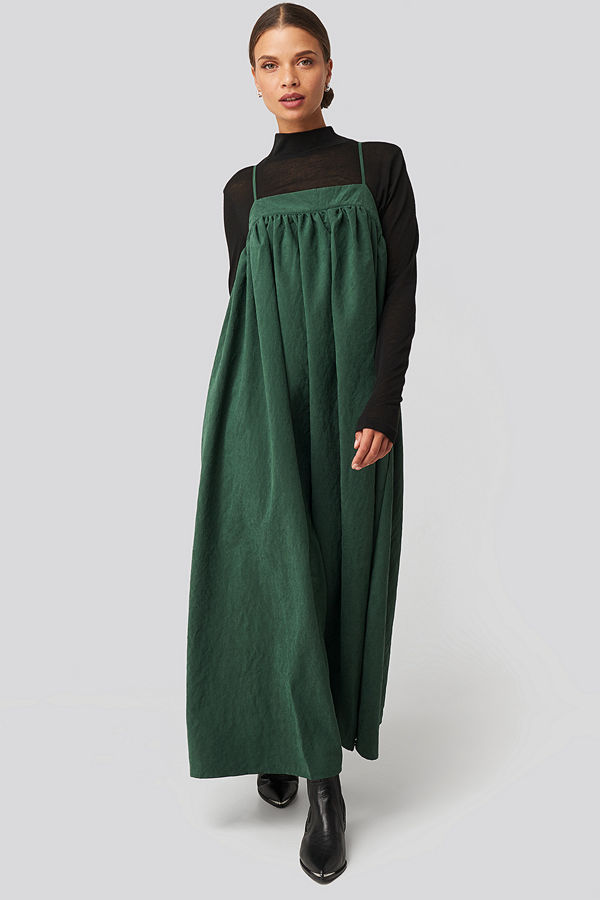 NA-KD Trend Thin Strap Volume Midi Dress grön
