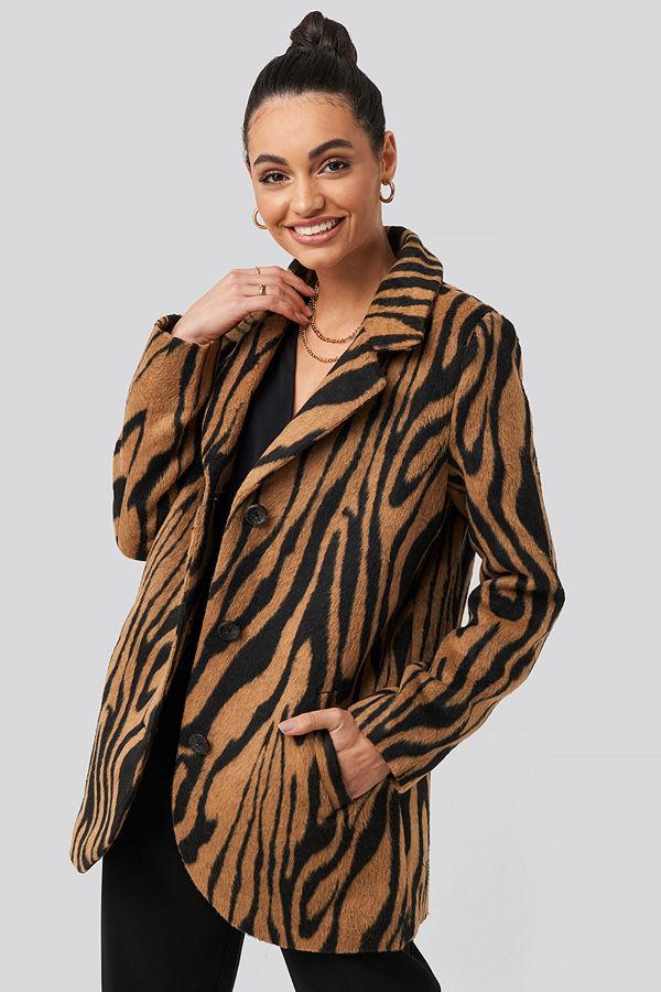 NA-KD Trend Printed Tiger Coat brun