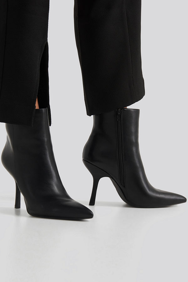 NA-KD Shoes Structured Pointy Boots svart