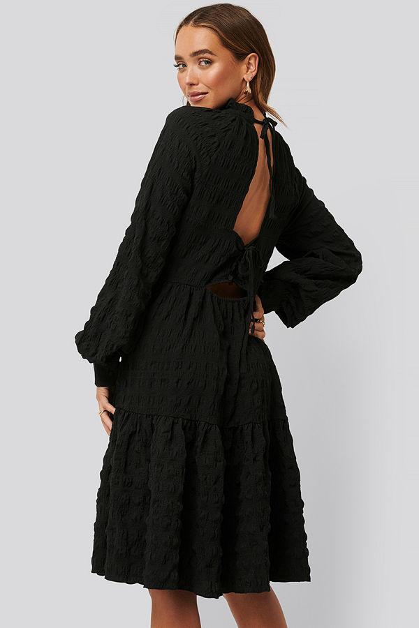 NA-KD Boho Structured Open Back Dress svart