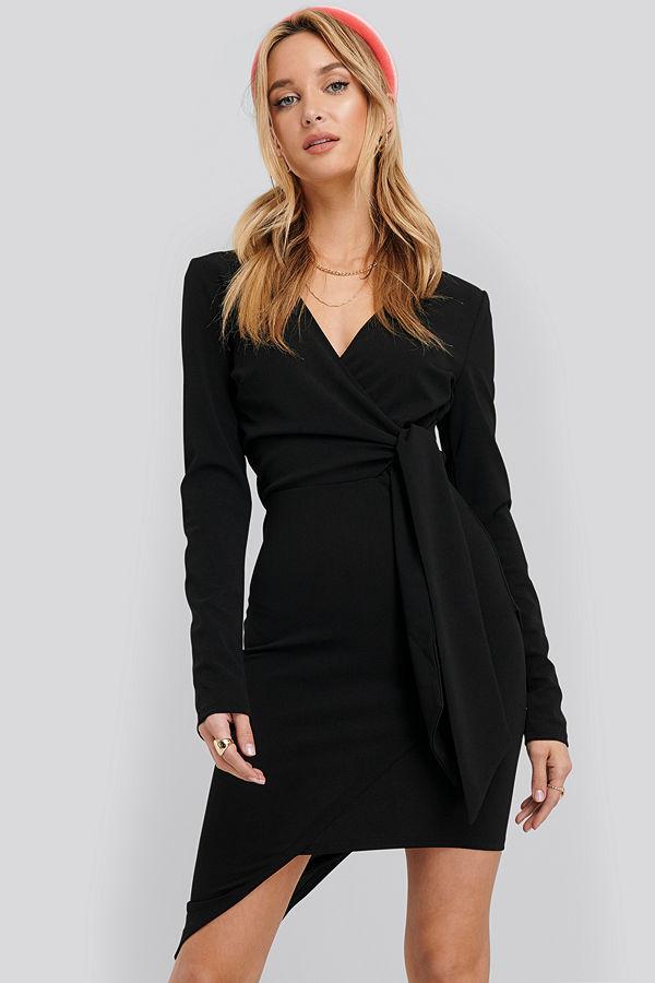 NA-KD Party Asymmetric Hem Mini Dress svart