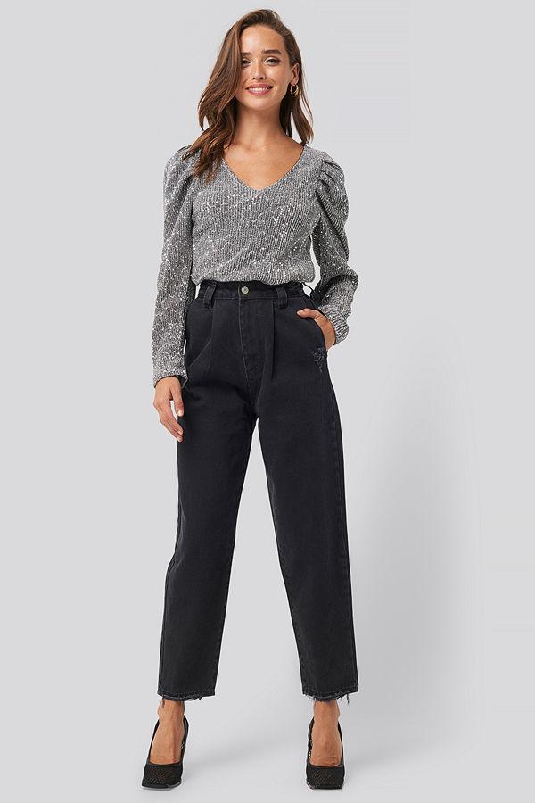 Trendyol Ripped Detail High Waist Mom Jeans svart