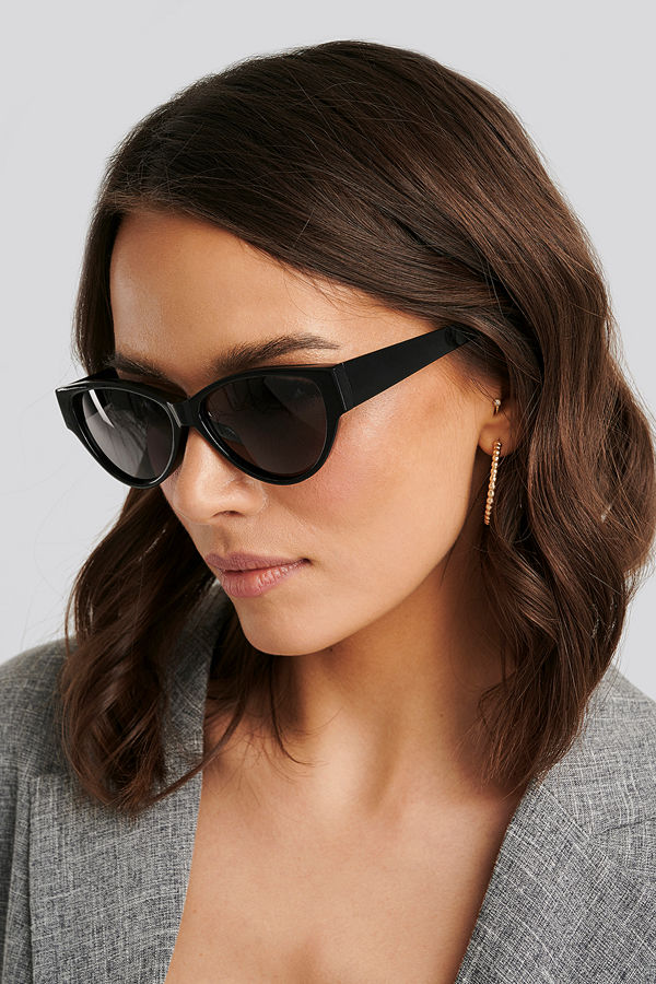 NA-KD Accessories Drop Shaped Cateye Sunglasses svart