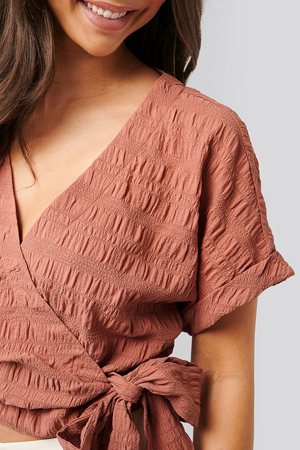 NA-KD Structured Overlap Blouse rosa