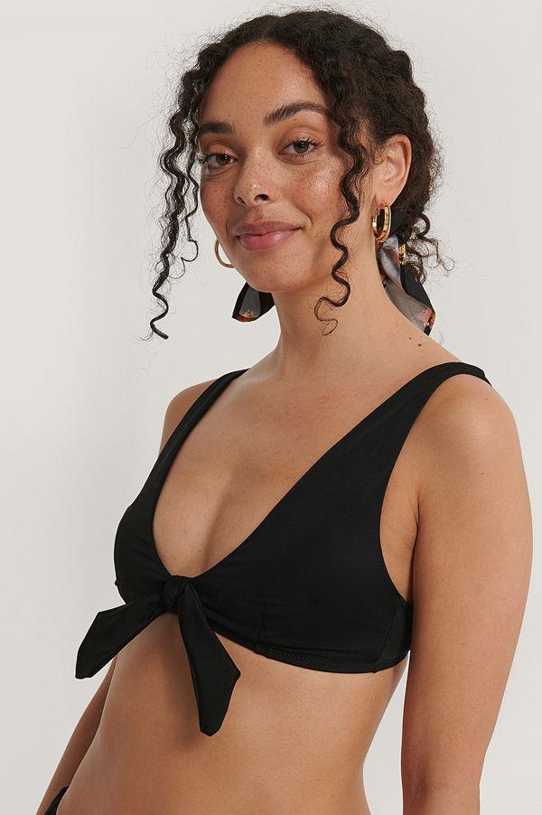 Trendyol Bikinitopp Med Knytning Fram svart