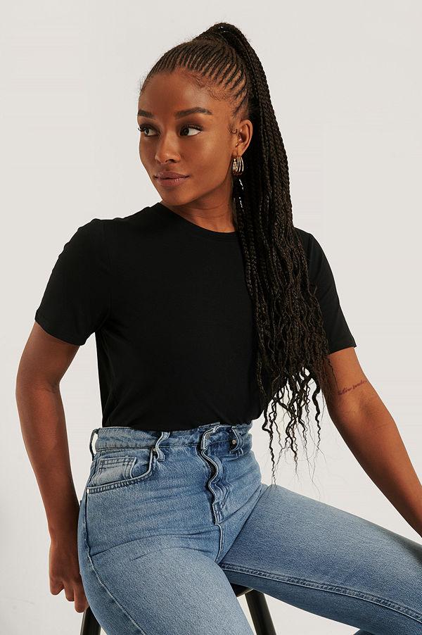 NA-KD Reborn T-Shirt svart