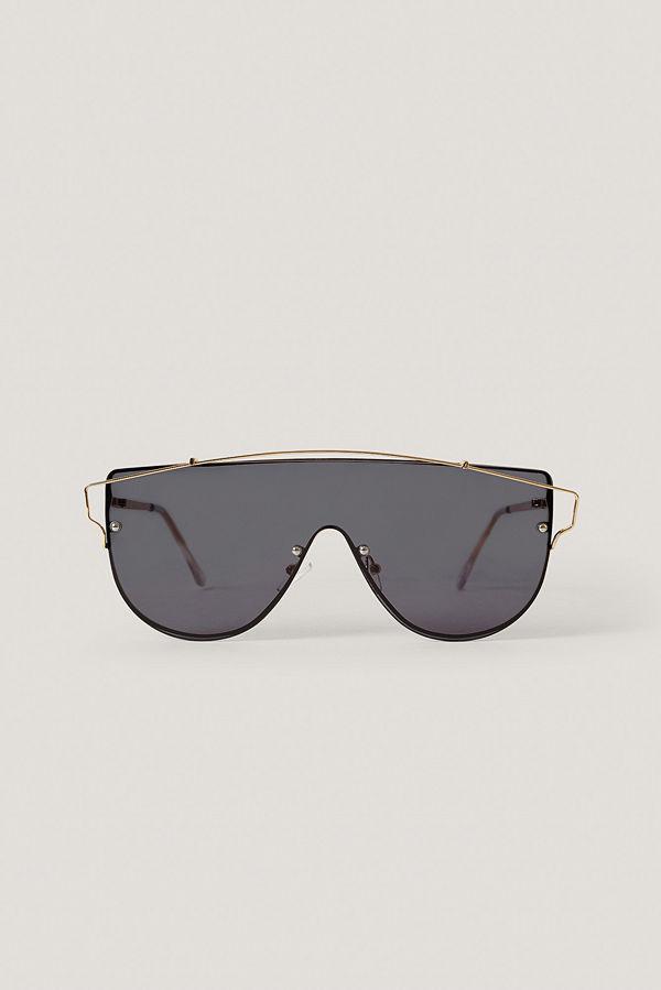 NA-KD Accessories Solglasögon Med Metalldetaljer svart