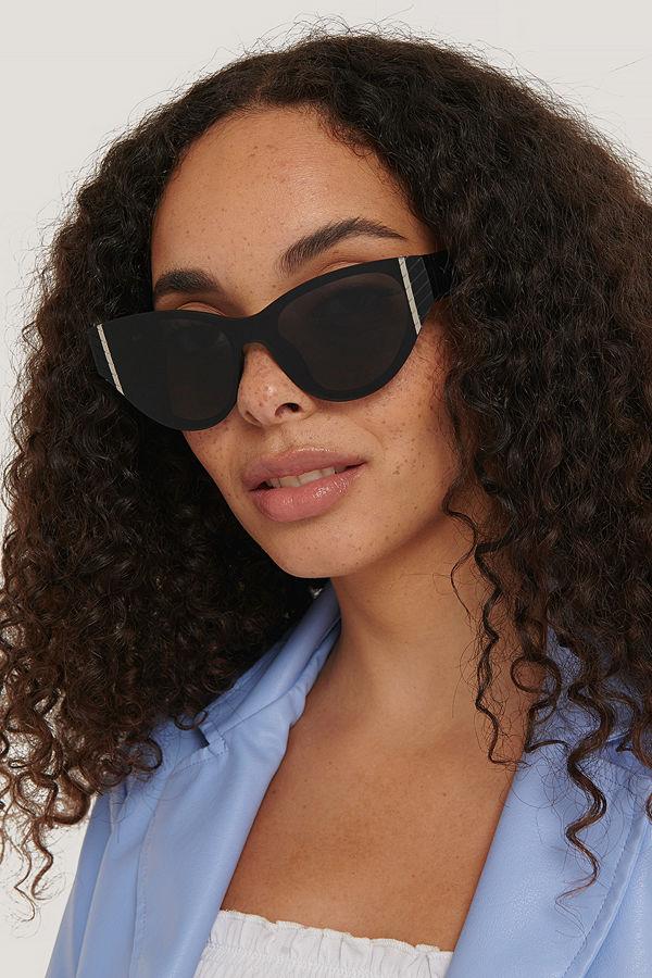 NA-KD Accessories Cateyesolglasögon Med Detaljer svart