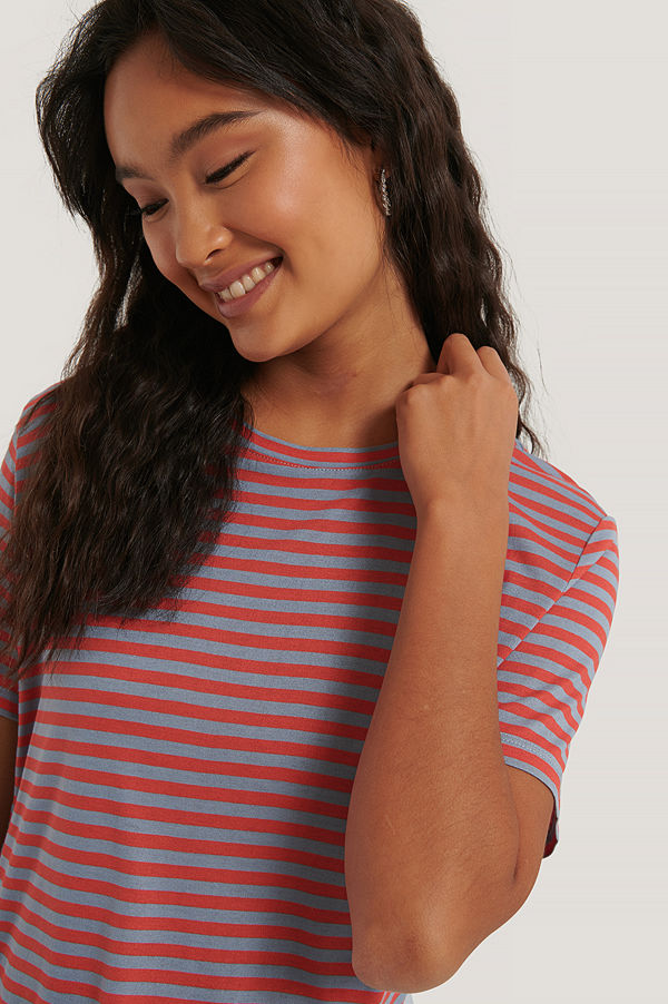 NA-KD Basic Striped Viscose Tee röd blå