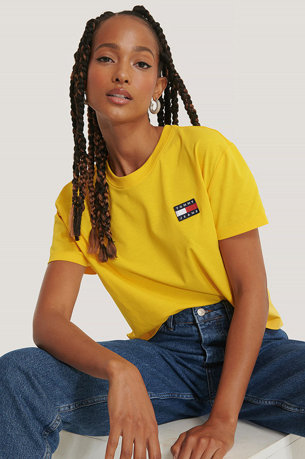 Tommy Jeans Tommy Badge T-Shirt gul