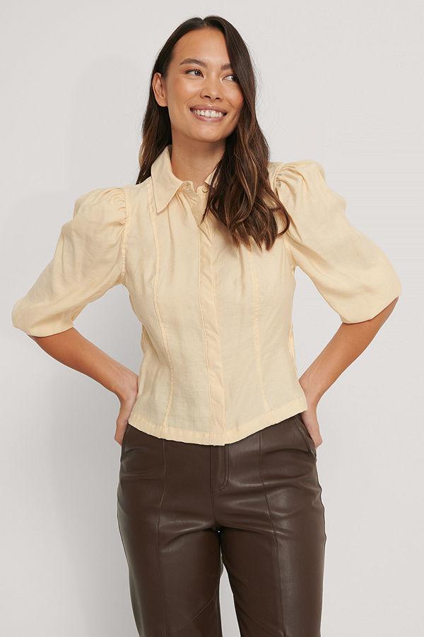 NA-KD Blus Med Skjortdetalj Och Puffärm beige