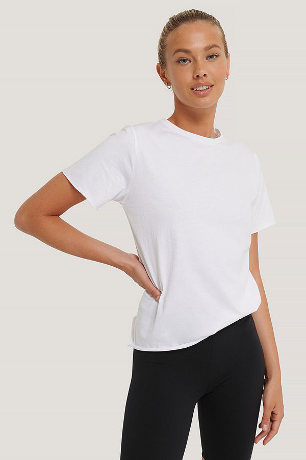NA-KD Reborn Ekologisk T-shirt Med Råa Kanter vit