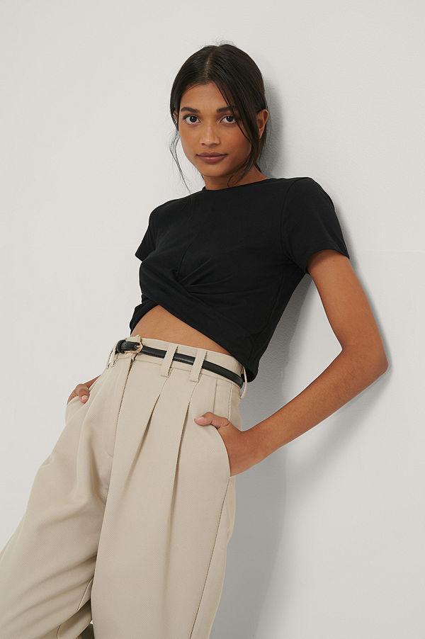 Trendyol Croppad T-Shirt svart