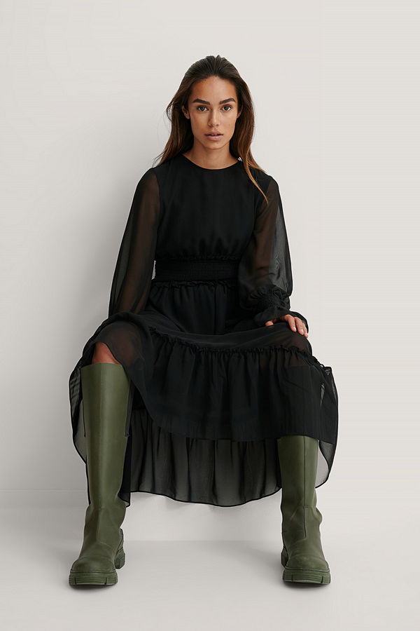NA-KD Trend Midiklänning I Chiffong Med Smockdetalj svart