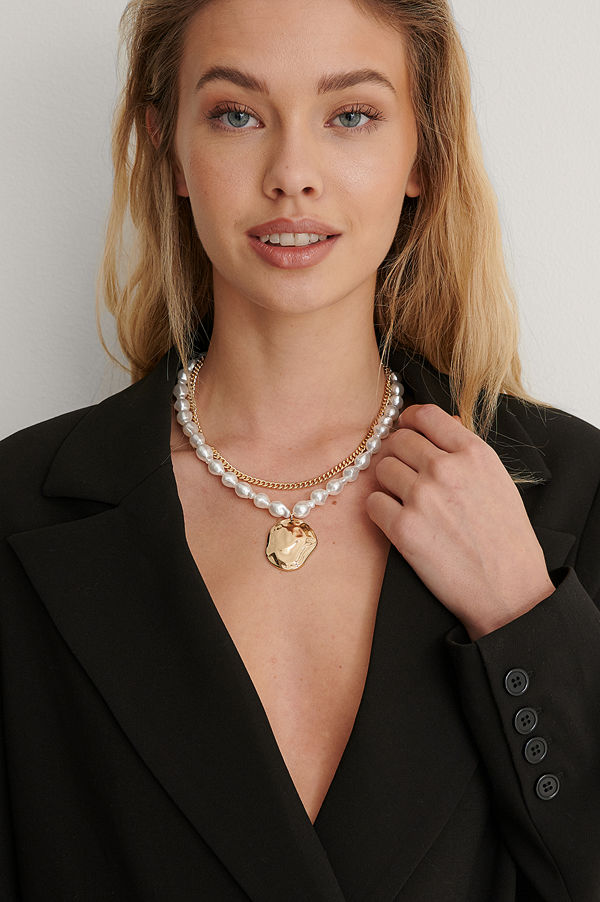 NA-KD Accessories smycke Halsband Med Stort Pärlhänge guld