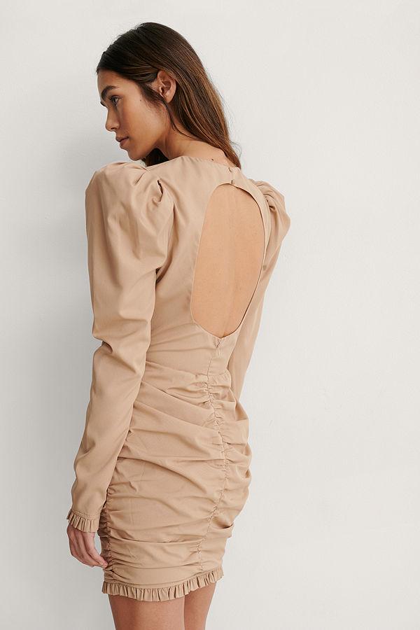 Lizzy x NA-KD Miniklänning beige