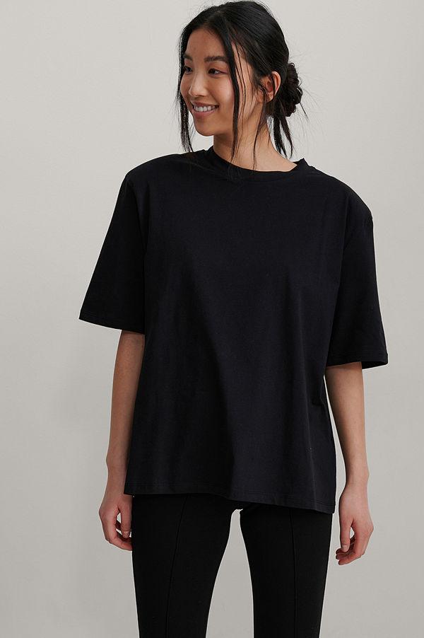 NA-KD Trend Ekologisk Boxig T-shirt Med Axelvaddar svart