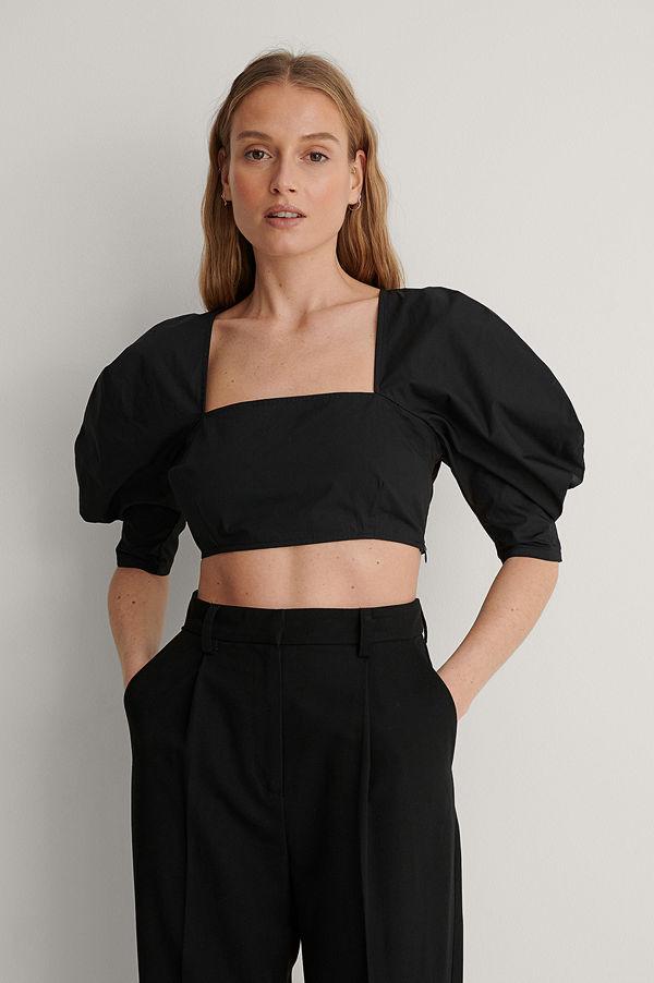 NA-KD Trend Croppad Blus Med Fyrkantig Halsringning svart